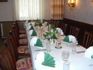 Tisch grün weiss